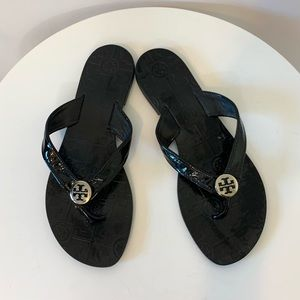 Tory Burch Thora patent black thong sandals